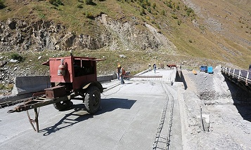 В Грузии восстанавливают мост XIX века в направлении России