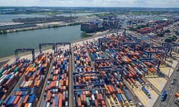 Global container industry prepares for recession