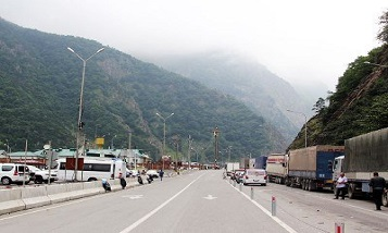 Expert on agriculture: Armenian exporters facing more hardships at Upper Lars checkpoint
