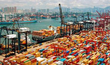 Заторы в портах юга Китая парализуют мировую торговлю